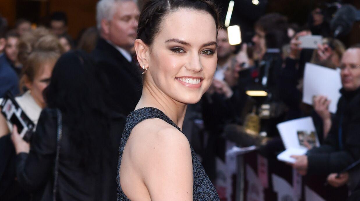 VIDEO Star Wars: Daisy Ridley montre qu'elle est passée pro au maniement du sabre laser