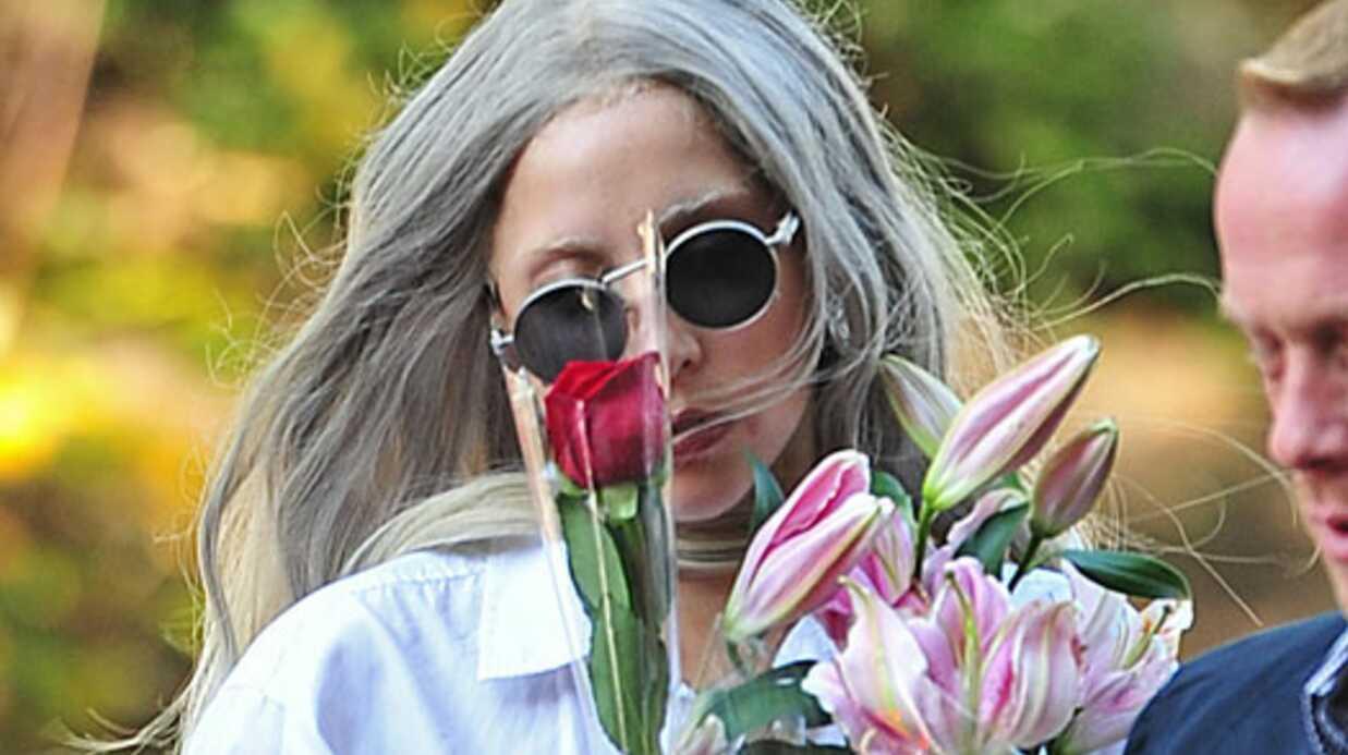 Lady Gaga se rend à l'hôpital bizarrement vêtue