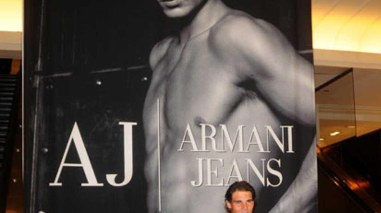 Rafael Nadal pose pour Armani
