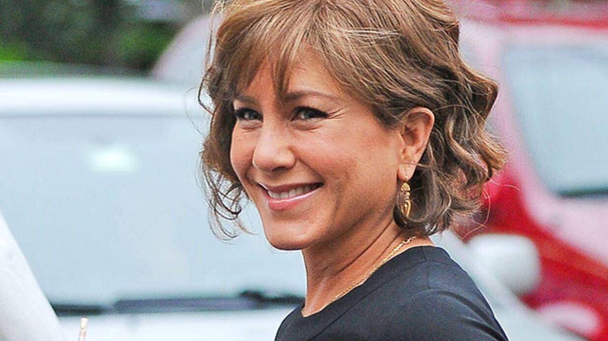 DIAPO Jennifer Aniston teste la coupe mémère