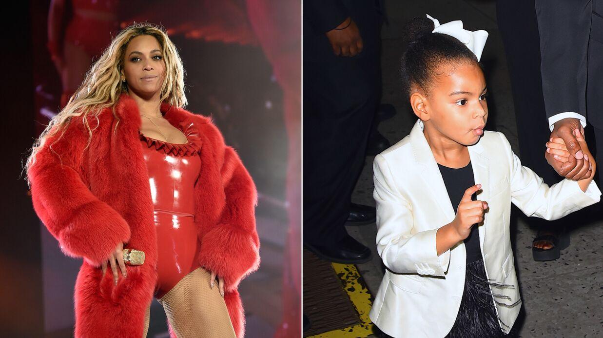 PHOTOS Beyoncé et sa fille Blue Ivy en robes assorties devant la Tour Eiffel, c'est trop mignon