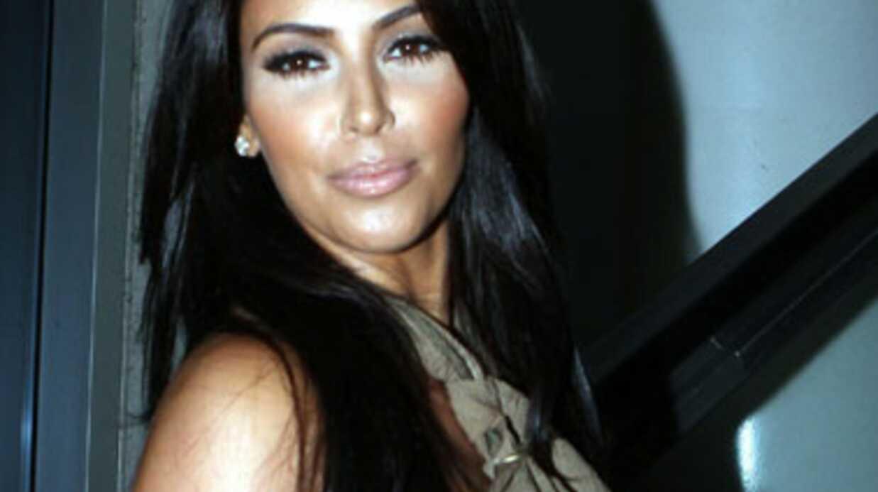 Kim Kardashian: la pauvre, tout le monde la regarde!