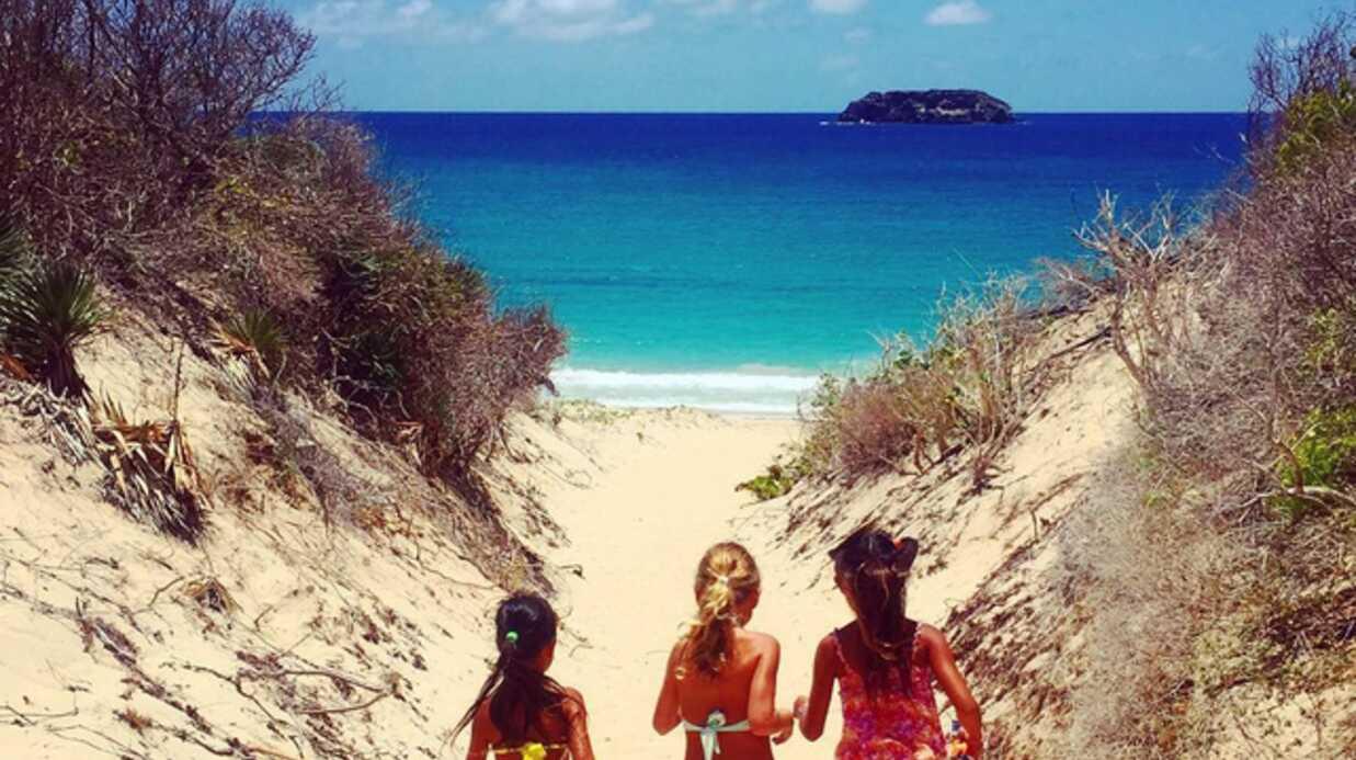 PHOTOS Estelle Lefébure et sa fille en vacances chez Johnny et Laeticia Hallyday: c'est l'éclate!