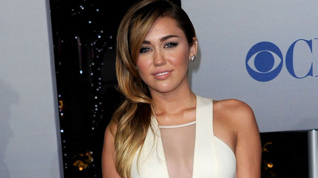 Miley Cyrus affiche d'étranges coupures sur son bras