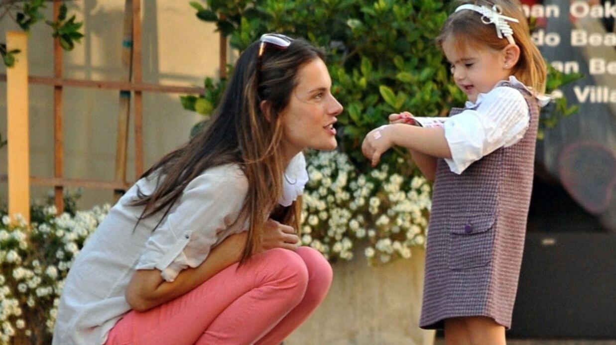 Alessandra Ambrosio: le top de Victoria's Secret est enceinte
