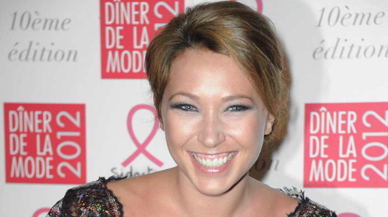 VIDEO Laura Smet souriante au Dîner de la mode 2012