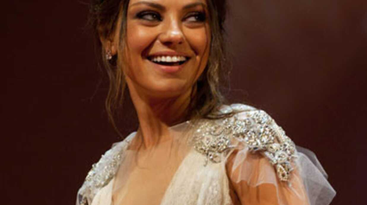 LOOK Mila Kunis sublime à Moscou