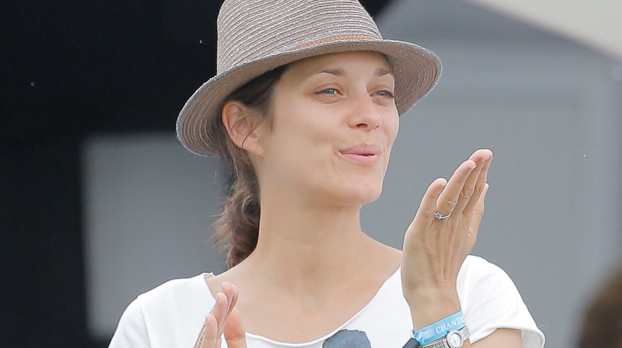 DIAPO Marion Cotillard au naturel pour encourager Guillaume Canet au Jumping de Chantilly