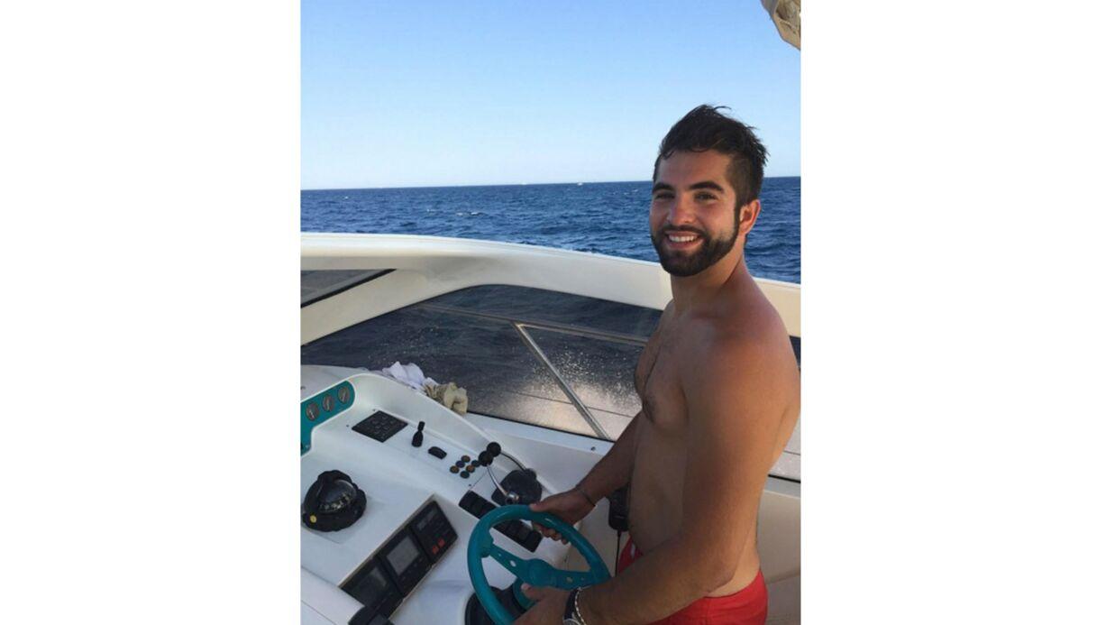 PHOTO En vacances, Kendji Girac tombe la chemise: instant sexy