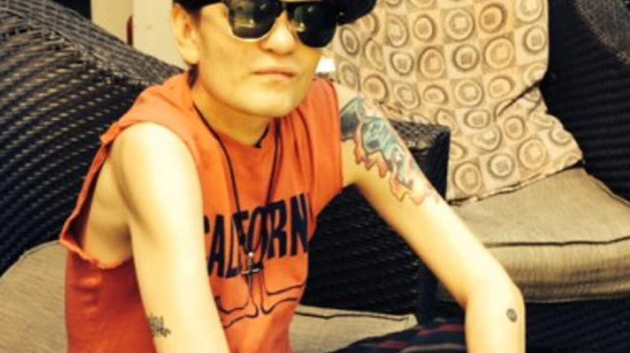 PHOTO Deryck Whibley (Sum 41) méconnaissable après son grave problème de santé