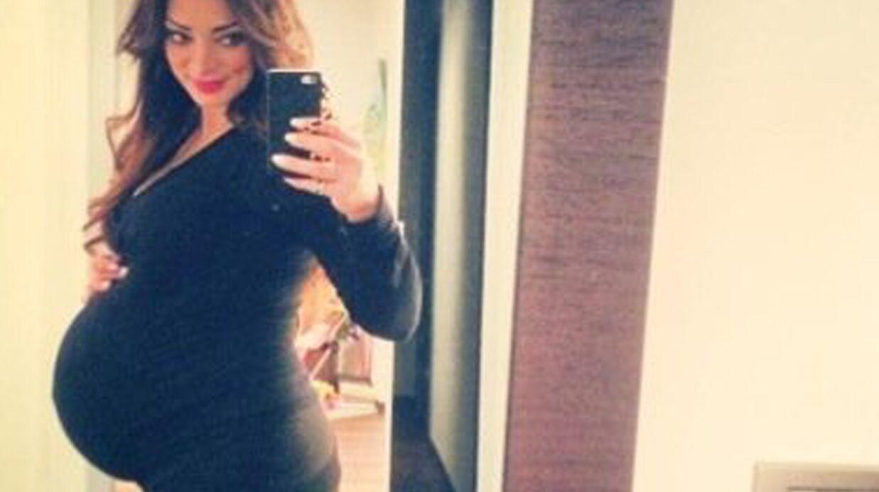 PHOTO Emilie Nef Naf expose avec fierté son énorme baby bump sur Twitter
