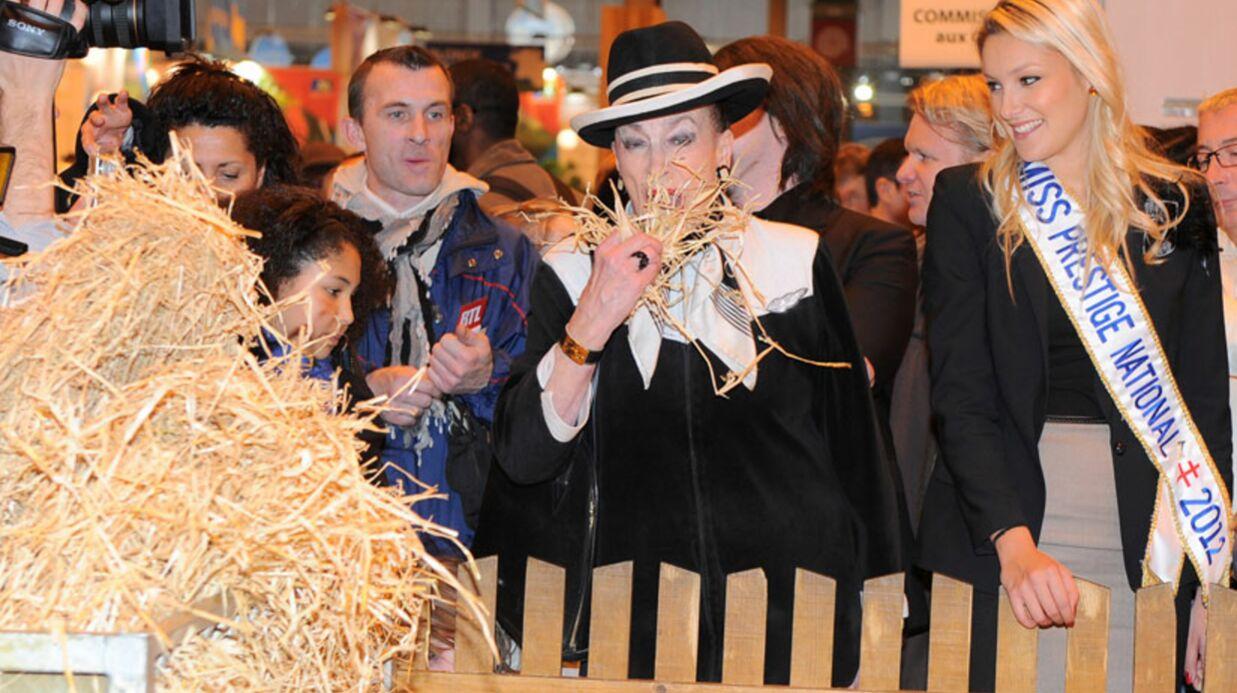 PHOTOS Geneviève de Fontenay vole la vedette à sa Miss au Salon de l'Agriculture