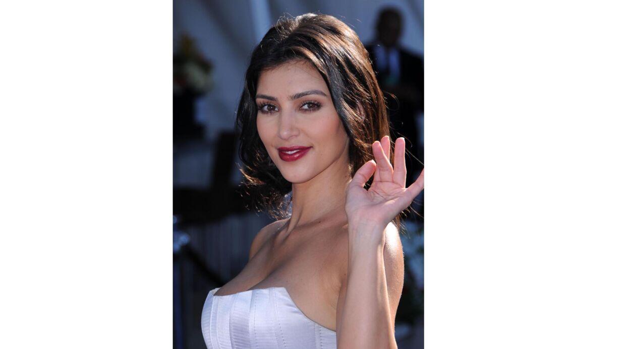 PHOTOS Kim Kardashian ressort un de ses vieux looks et se moque d'elle-même