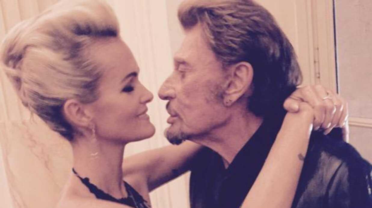 PHOTOS Johnny et Laeticia Hallyday avec Julie Gayet au bal Hermès