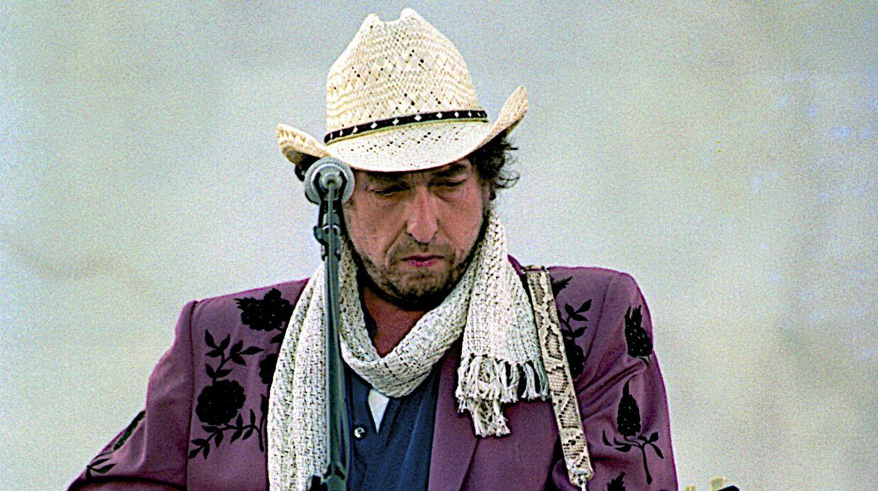 Bob Dylan sort enfin du silence et réagit à l'annonce de son prix Nobel de littérature!