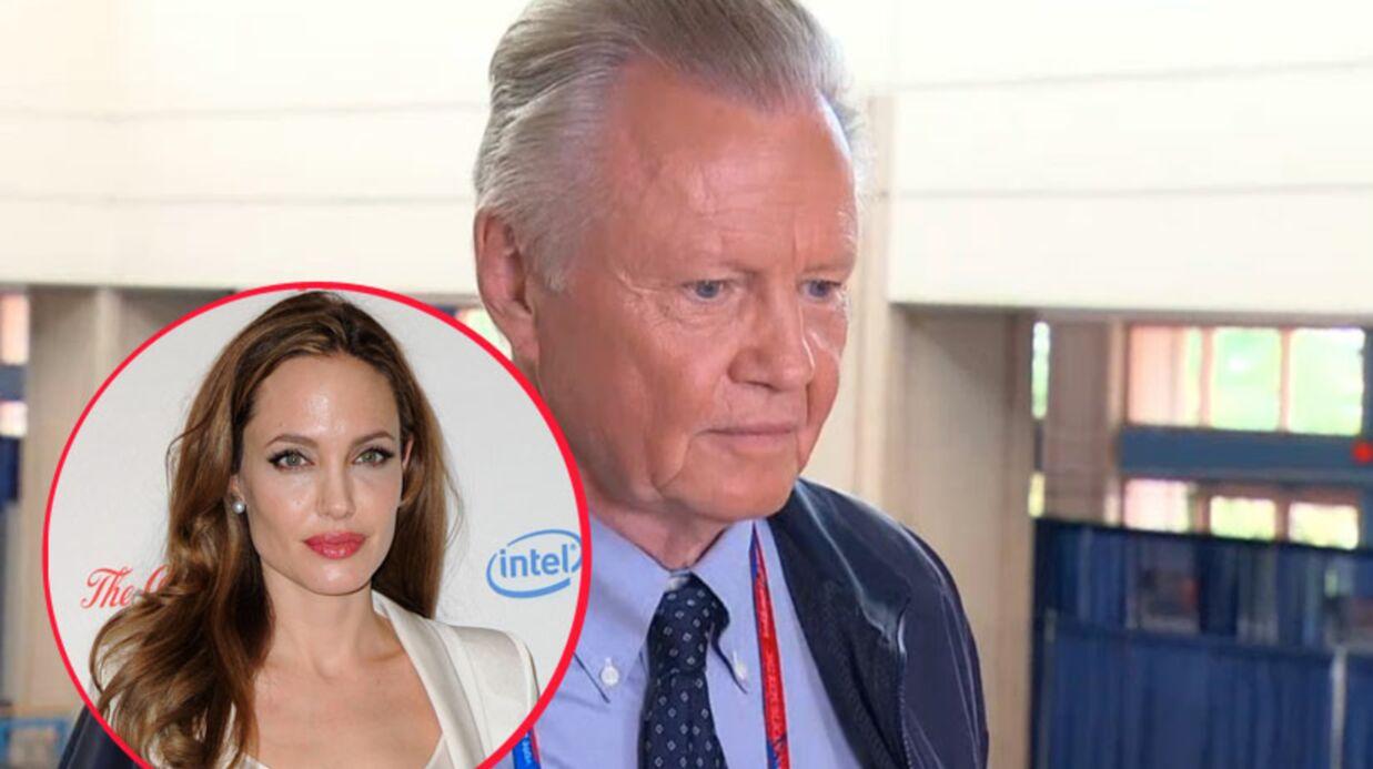 Même le père d'Angelina Jolie n'est pas (encore) invité au mariage