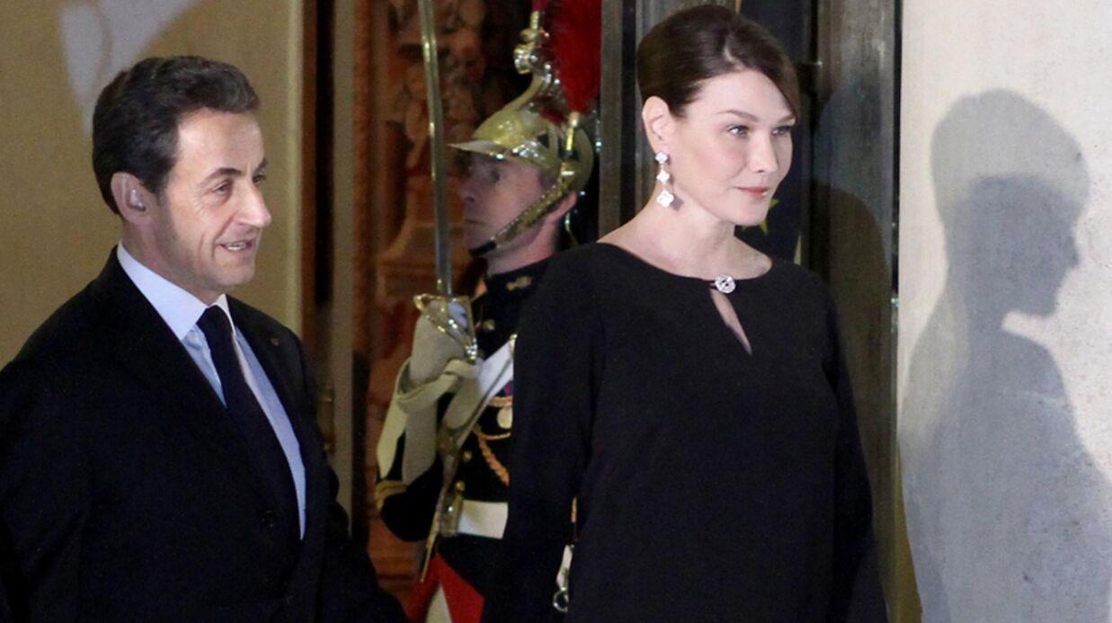 Carla Bruni présente Giulia aux journalistes!