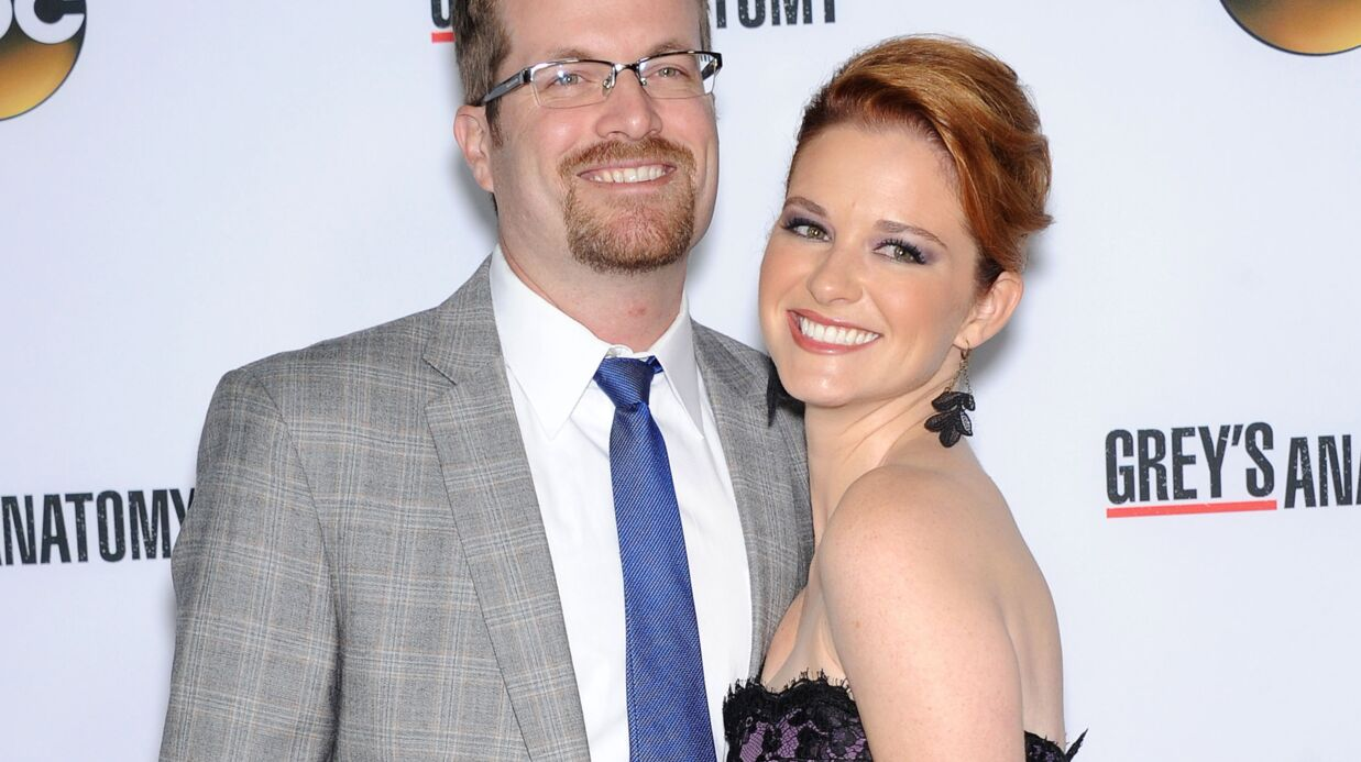 Sarah Drew (Grey's Anatomy) attend un bébé