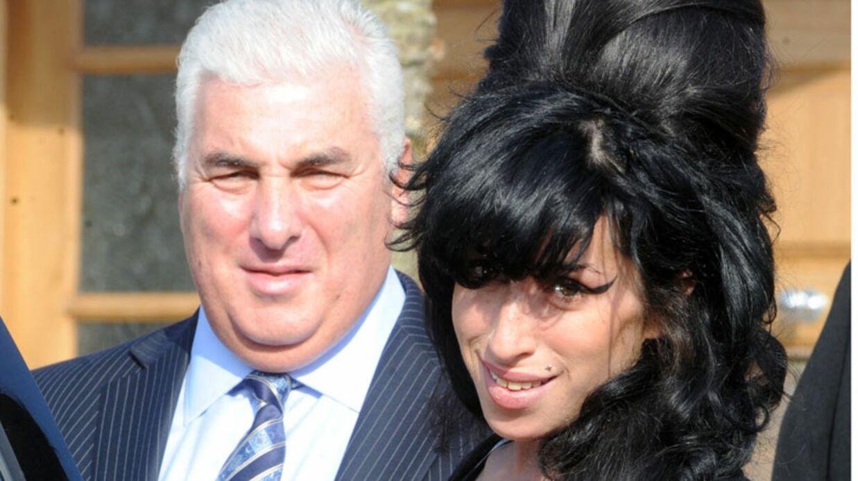 Amy Winehouse: son père choqué après les révélations du Sun