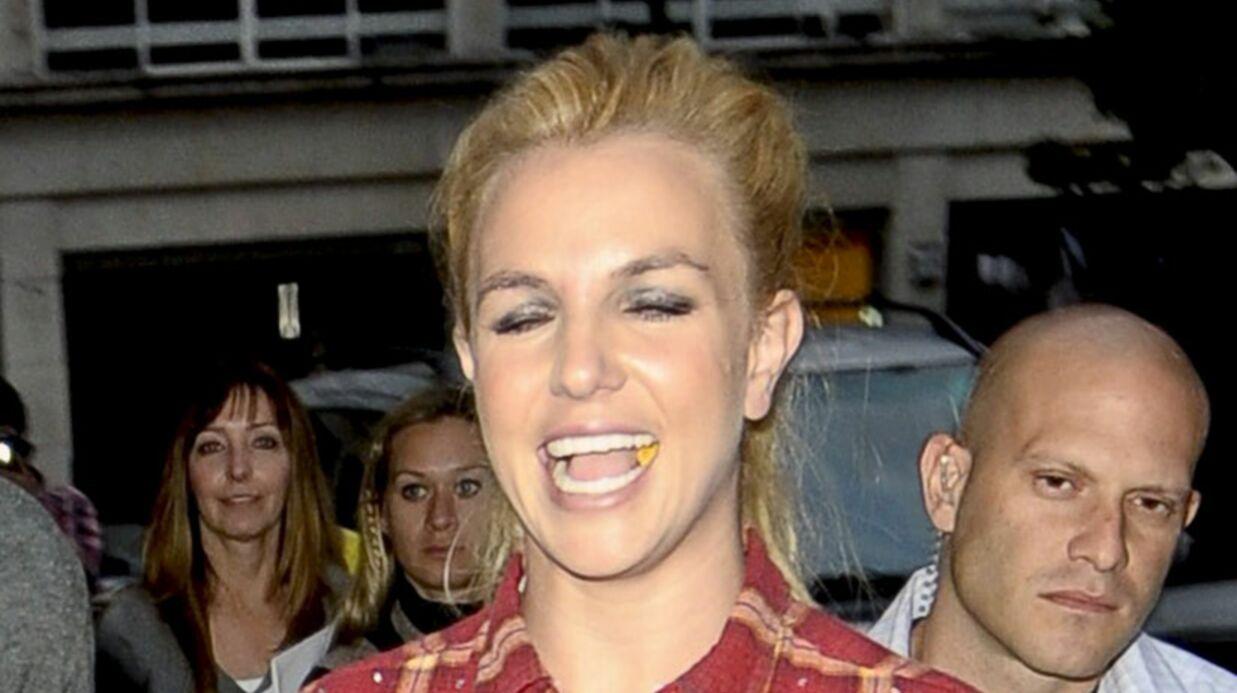 Britney Spears apprend l'amour dans un livre