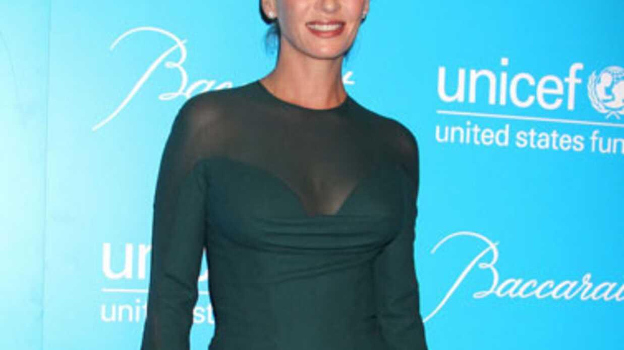 PHOTOS Uma Thurman spectaculaire à un gala de l'Unicef