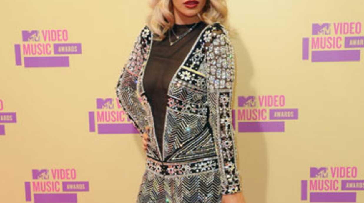 Interview Rita Ora: «Les rumeurs entre Jay-Z et moi sont des conneries!»