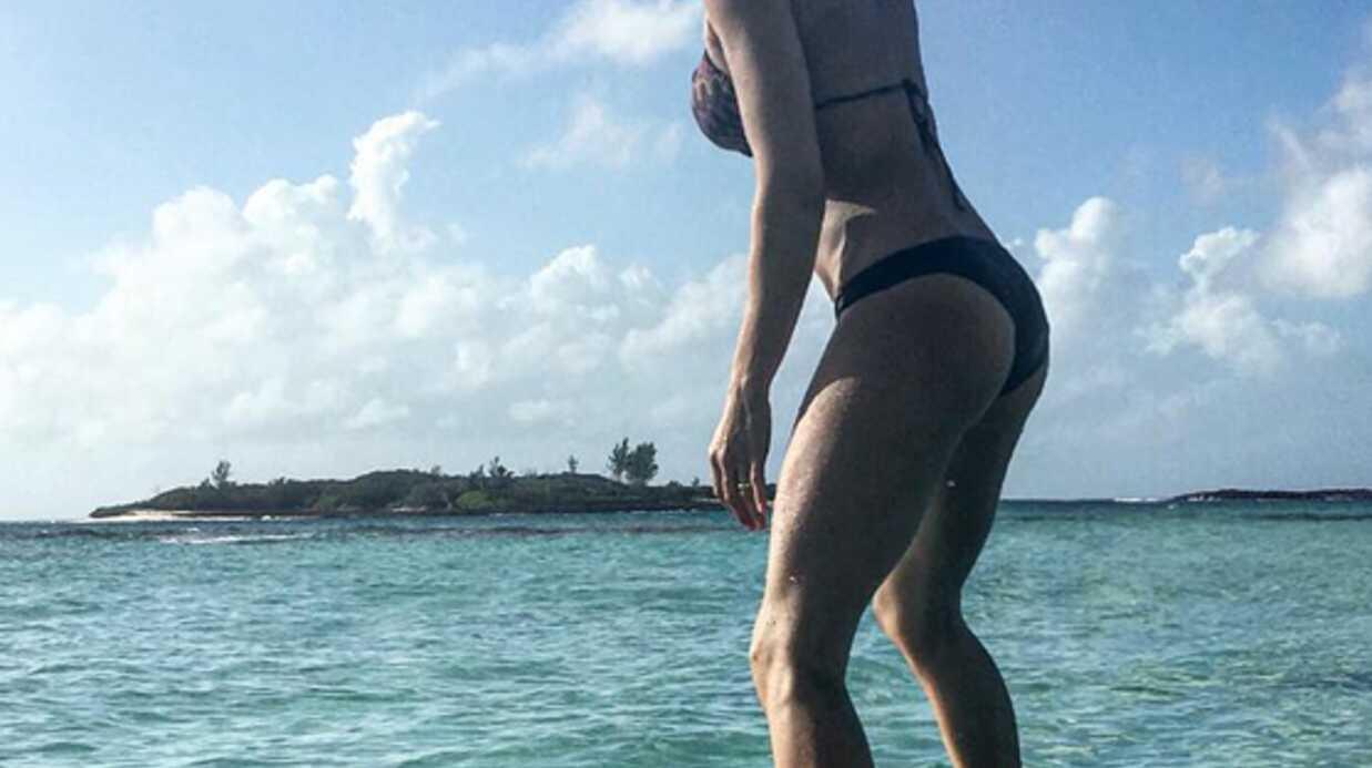 PHOTOS Elisabetta Canalis a déjà retrouvé la ligne trois mois après avoir accouché