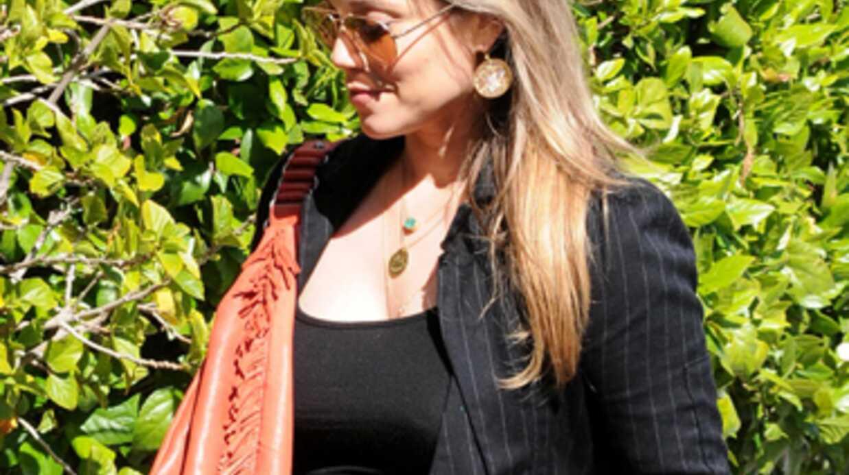 Elizabeth Berkley (Sauvés par le gong) maman à 40 ans