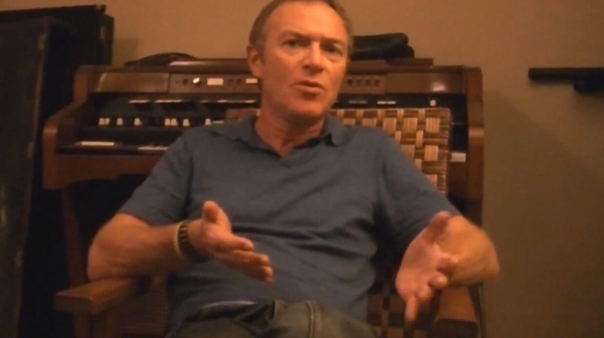 Christophe Hondelatte critique les paroles de son premier album