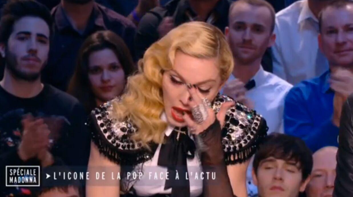 VIDEO Madonna en larmes dans les bras de Luz de Charlie Hebdo