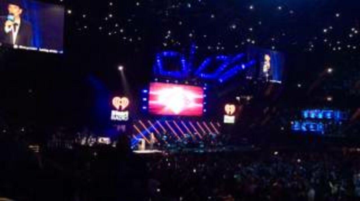 Kris Jenner sévèrement huée par la foule pendant un concert qu'elle venait introduire