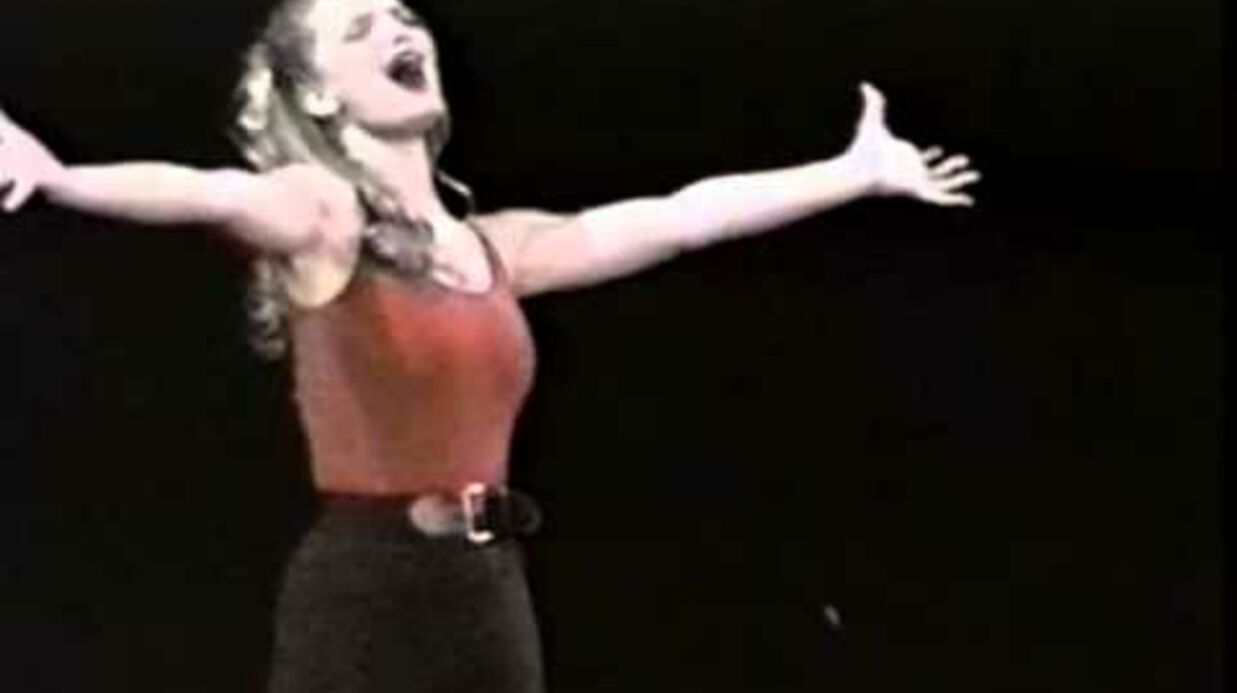 VIDEO Jessica Simpson ressort des vieux dossiers