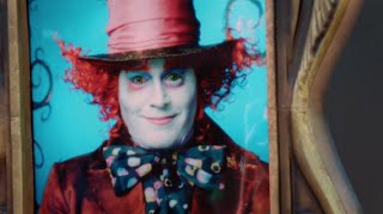 VIDEO Johnny Depp, déguisé en Chapelier fou, amuse ses fans