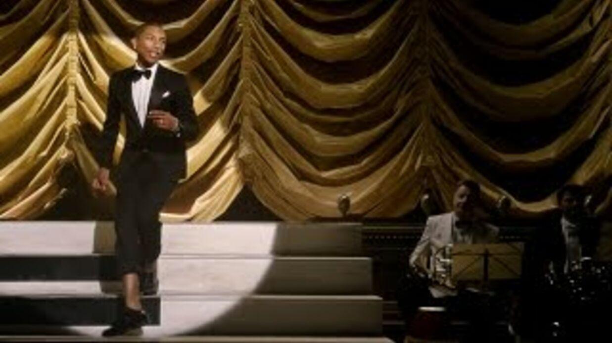 VIDEO Elton John, Pharrell Williams et d'autres stars dans une reprise géniale de God Only Knows
