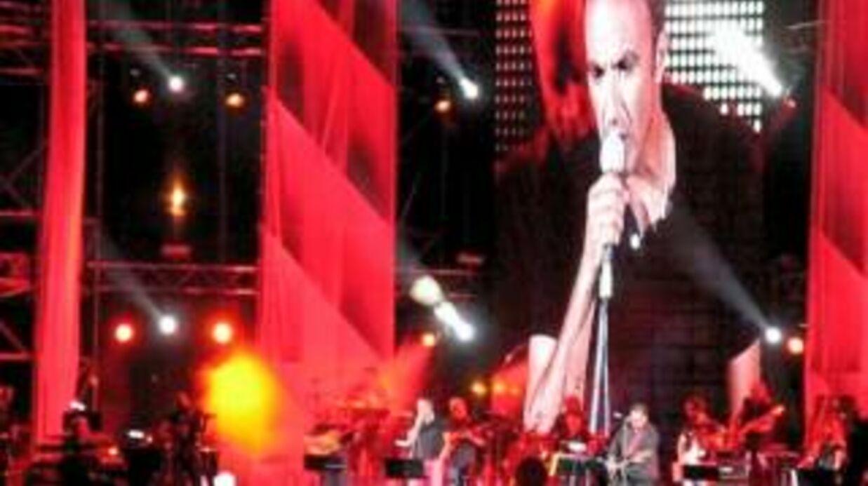 VIDEO Regardez Nikos Aliagas chanter en grec