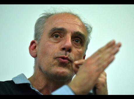Polémique Philippe Poutou veut supprimer le défilé du 14 Juillet