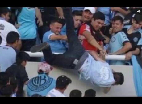 Choc Un supporter argentin lynché et jeté du haut des tribunes (Vidéo)