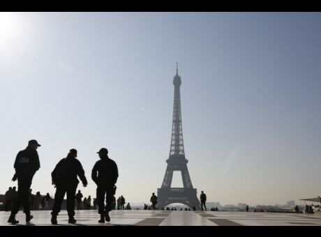 Attentat Qui est Karim Cheurfi, l'assaillant des Champs-Elysées?