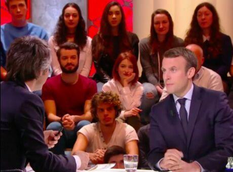 Macron Son équipe de com qualifie Yann Barthès de «débile profond»