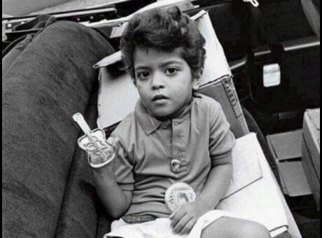 Devinette Qui est ce mignon bambin devenu une immense star?