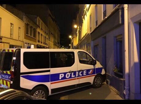 #AlloMichel Un hashtag  prend en flag les voitures de police mal garées