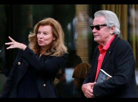 Couple Valérie Trierweiler et Alain Delon ensemble? Elle dément!