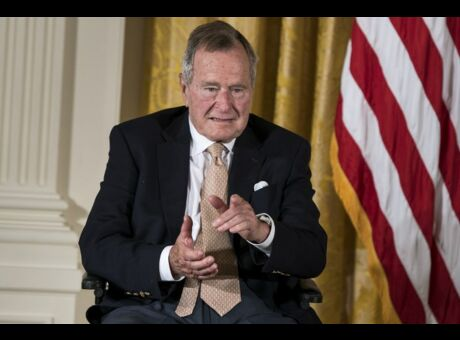 Etats-Unis George H. W. Bush accusé d'agression sexuelle sur mineure