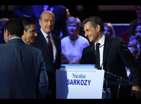 Politique 300 000 euros: le généreux cadeau de Fillon à Sarkozy