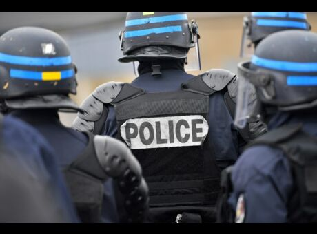 Calais Un policer condamné à six mois ferme pour avoir giflé un migrant