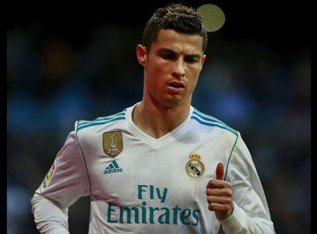 Insolite L'incroyable narcissisme de Cristiano Ronaldo en plein match (Vidéo)