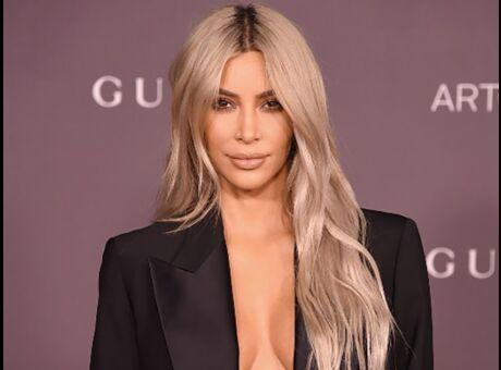 Photo Topless dans ses toilettes, Kim Kardashian se ridiculise