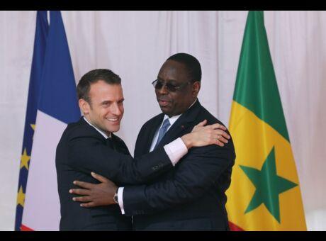 Frayeur Les avions de Macron et du président sénégalais se percutent sur le tarmac!